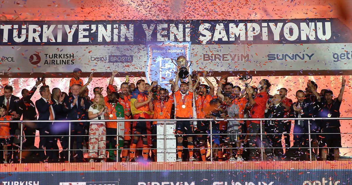 Türkiye'nin yeni şampiyonu kupayı kaldırdı - Sayfa 4