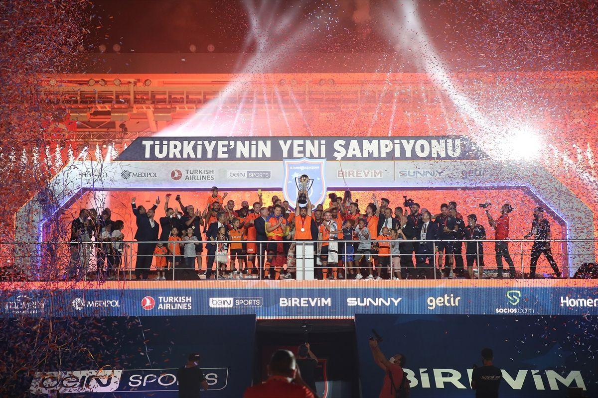 Türkiye'nin yeni şampiyonu kupayı kaldırdı - Sayfa 3