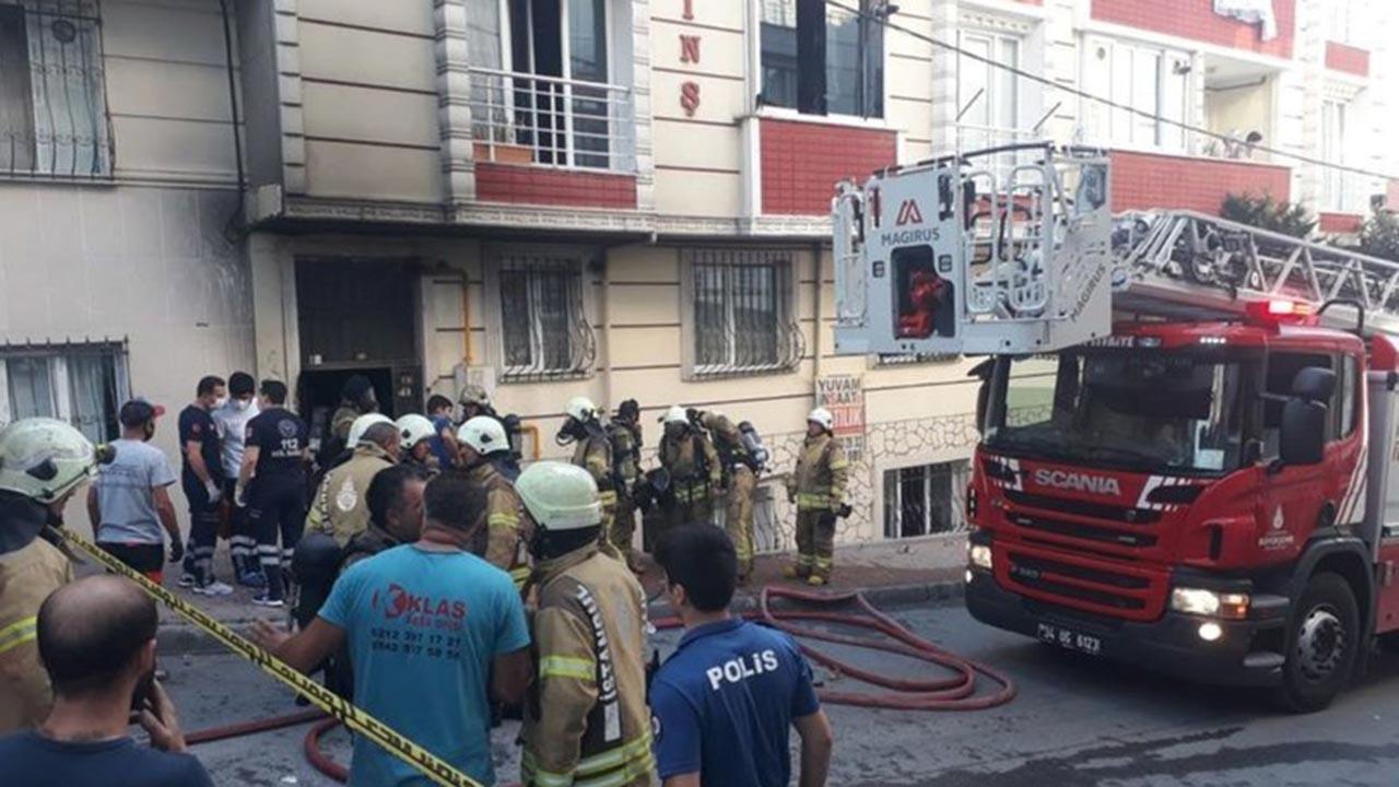 Esenyurt'ta yangın, anne ile çocuğu öldü