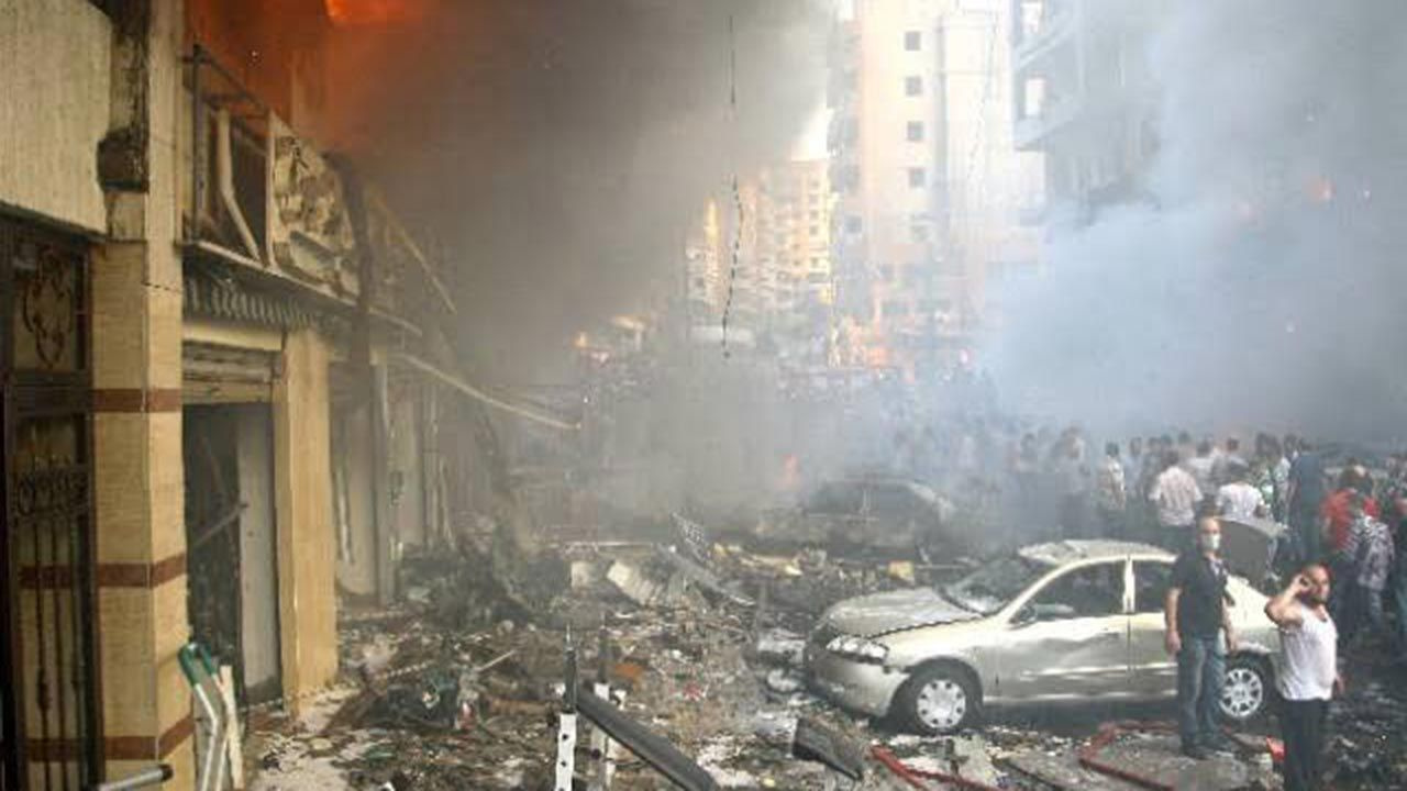 Beyrut'taki patlama şehri savaş alanına çevirdi - Sayfa 1