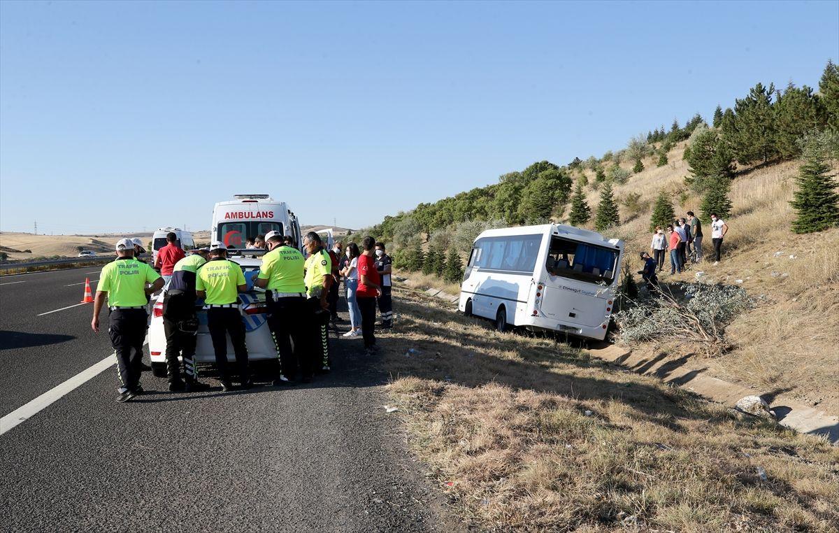 Ankara'da yolcu otobüsü servis aracına çarptı - Sayfa 2