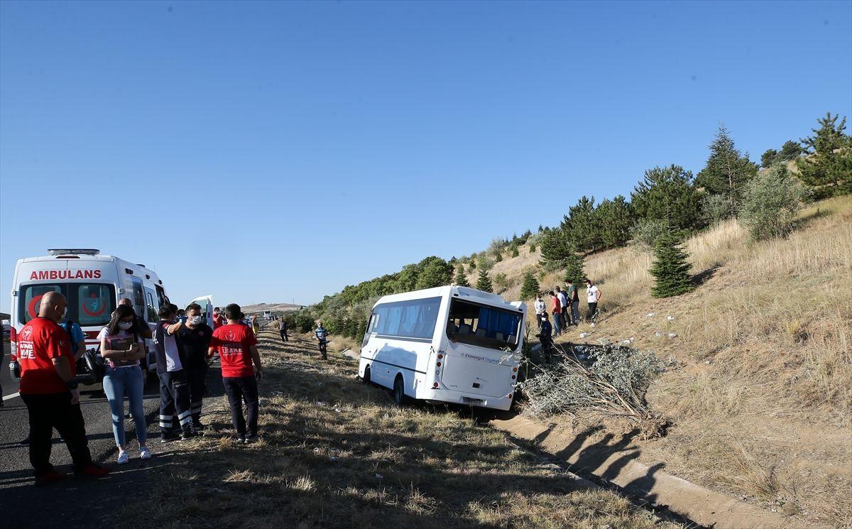 Ankara'da yolcu otobüsü servis aracına çarptı - Sayfa 3