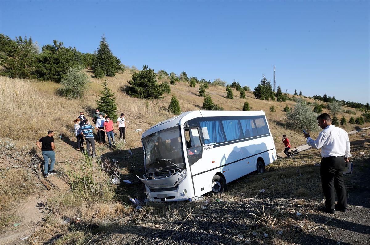 Ankara'da yolcu otobüsü servis aracına çarptı - Sayfa 4