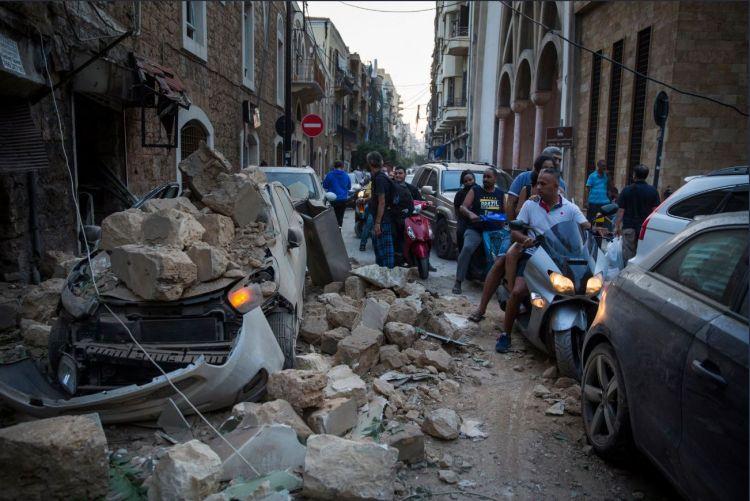 Beyrut'ta gün ağarınca enkaz ortaya çıktı - Sayfa 1