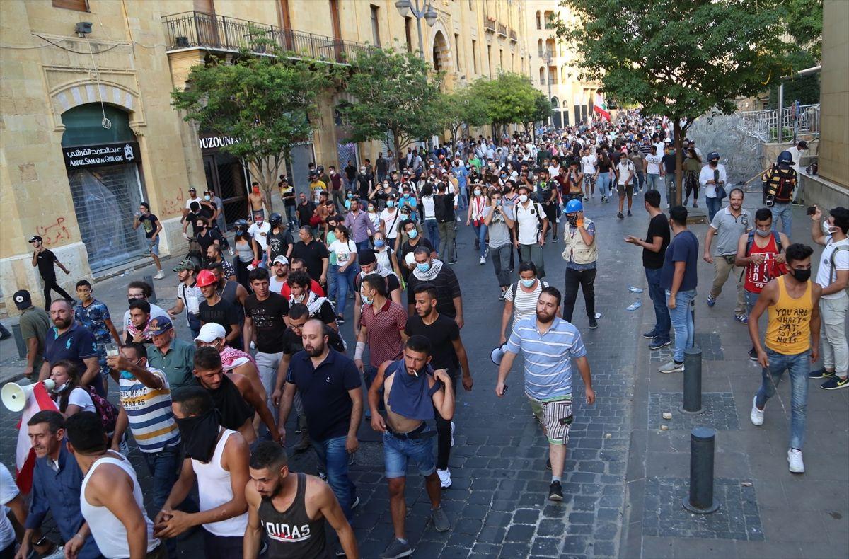Hükümet istifasına rağmen gösteriler durmadı - Sayfa 2