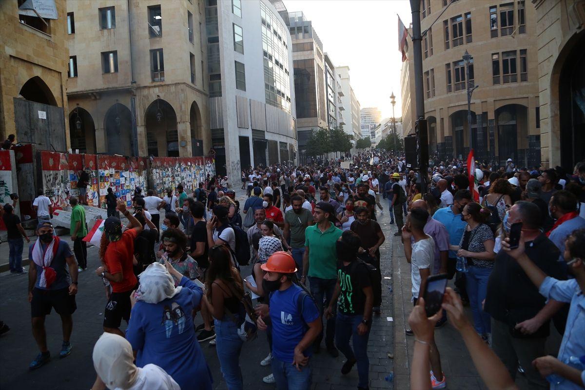 Hükümet istifasına rağmen gösteriler durmadı - Sayfa 3