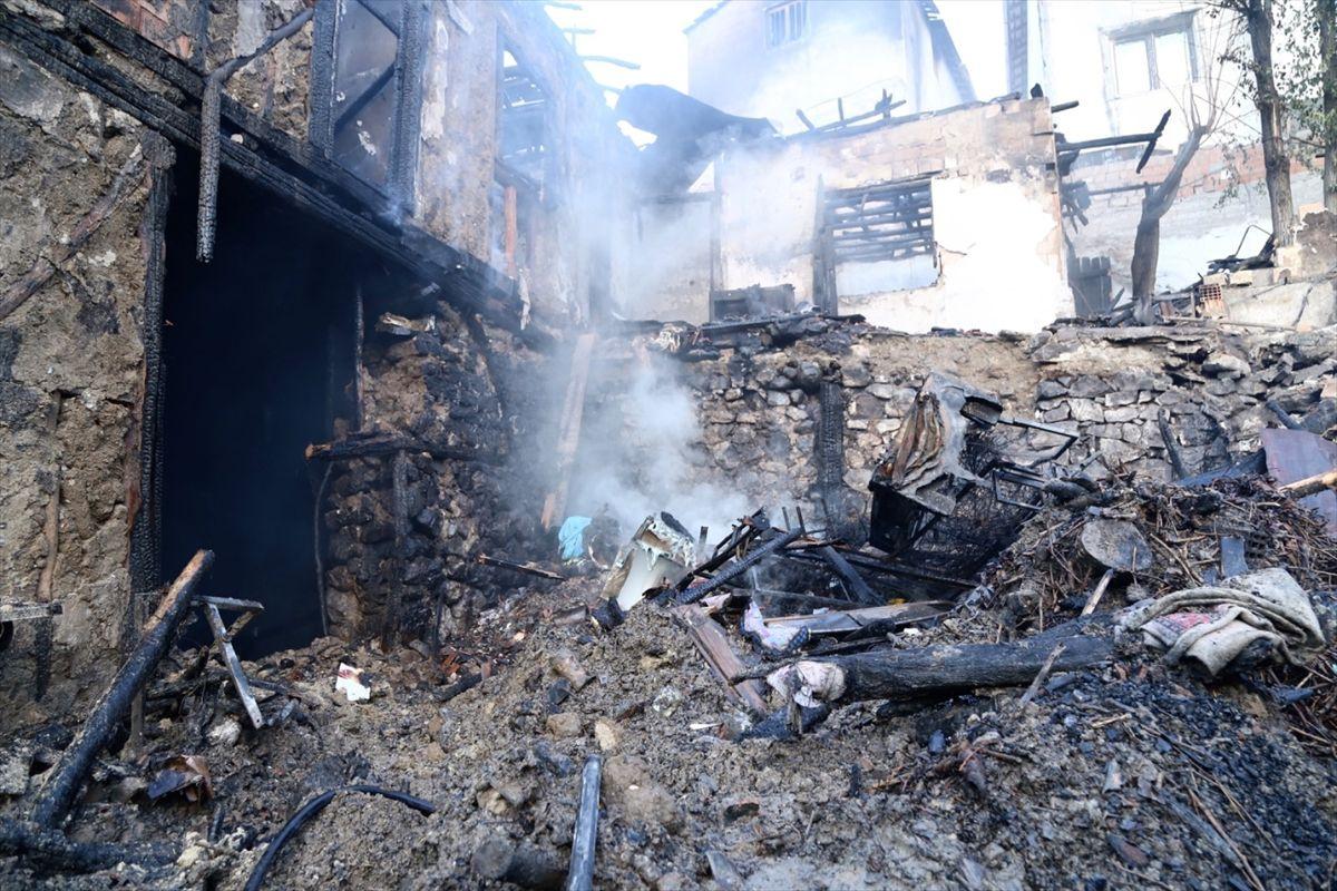 Çorum'da yangın faciası 4 çocuk öldü - Sayfa 1