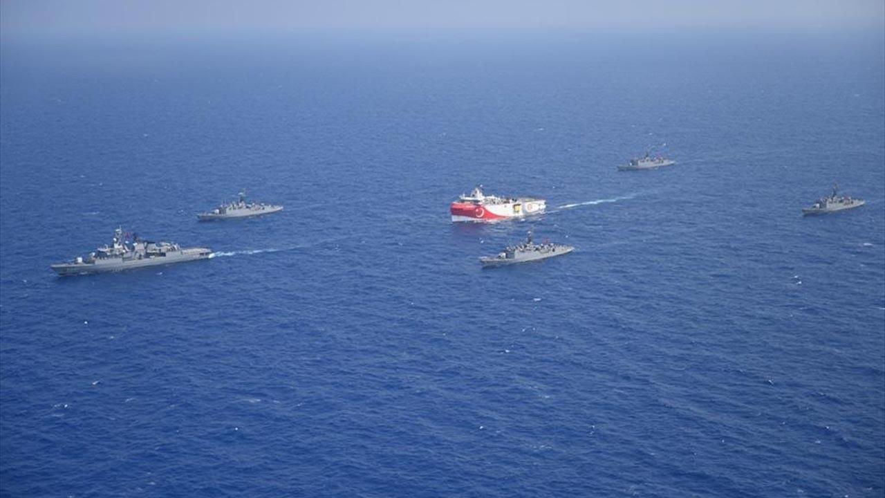 Akdeniz'e 1750 kilometrelik kablo indirildi