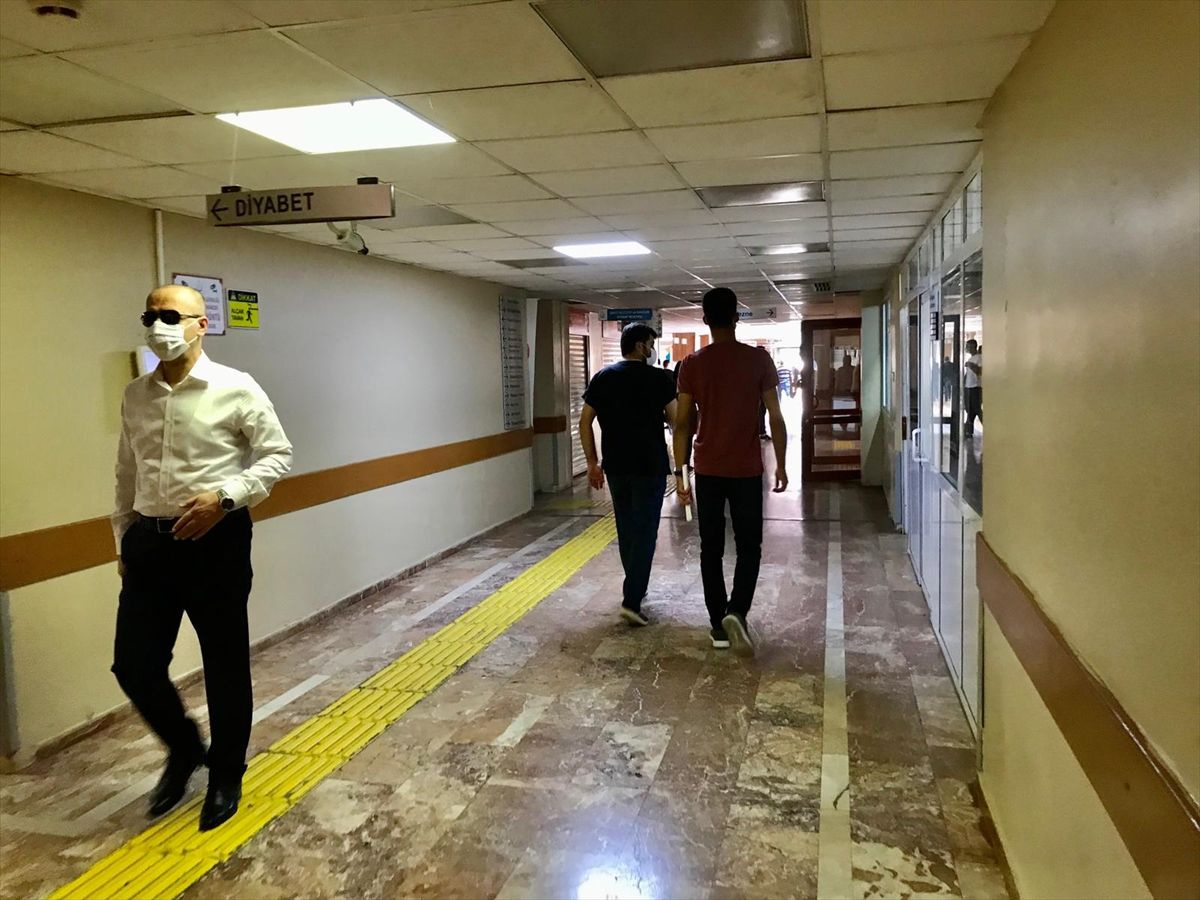 Vali sıradan bir vatandaş gibi hastaneleri kontrole çıktı, kimse tanımadı - Sayfa 2