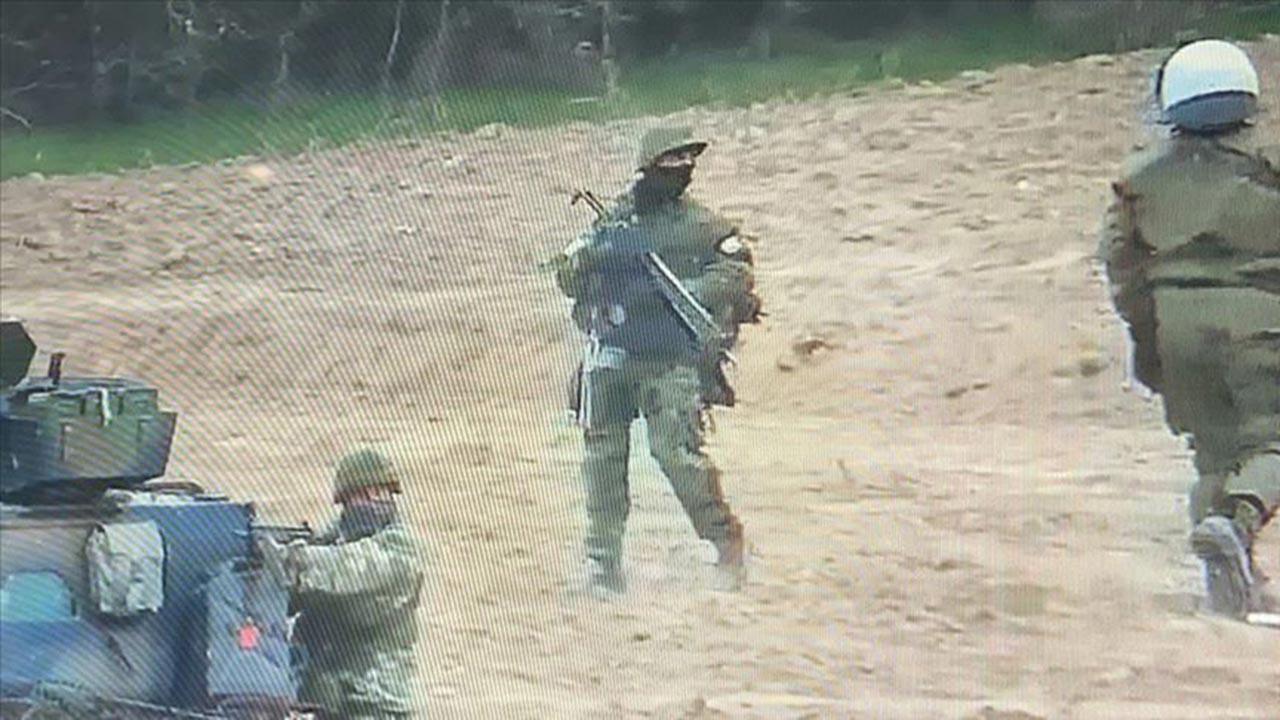 Yunan askeri Türk köyünde tatbikat yaptı