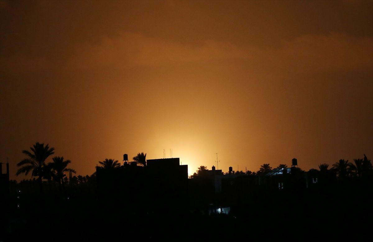 İsrail savaş uçakları Gazze'ye saldırdı - Sayfa 1