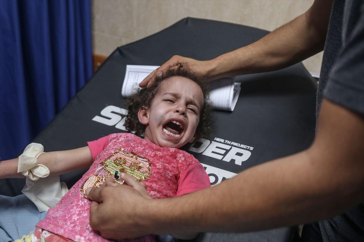 İsrail savaş uçakları Gazze'ye saldırdı - Sayfa 4