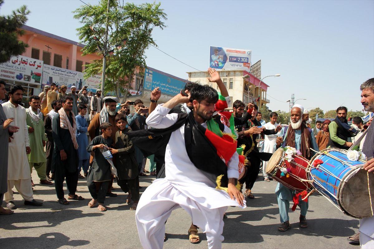 Afganistan'da bağımsızlık günü kutlamaları - Sayfa 4