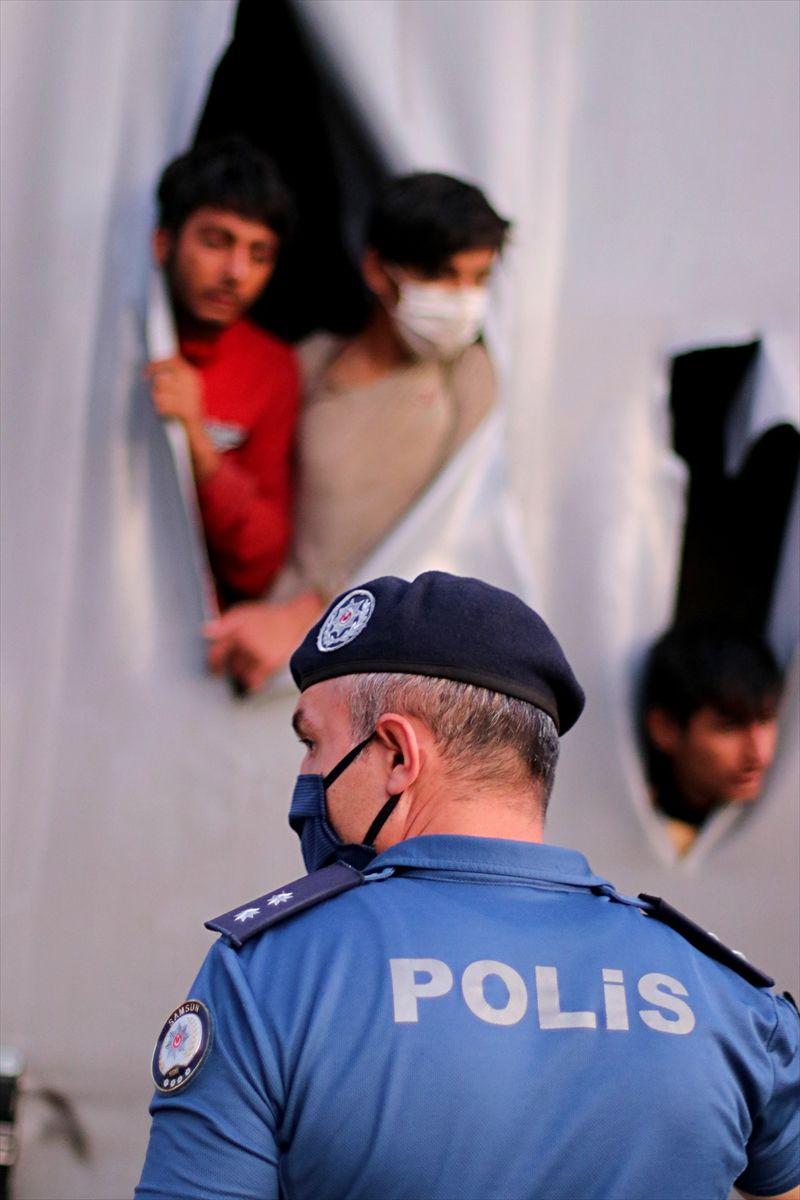 Polis fark etmeseydi hepsi TIR dorsesinde ölebilirdi - Sayfa 4
