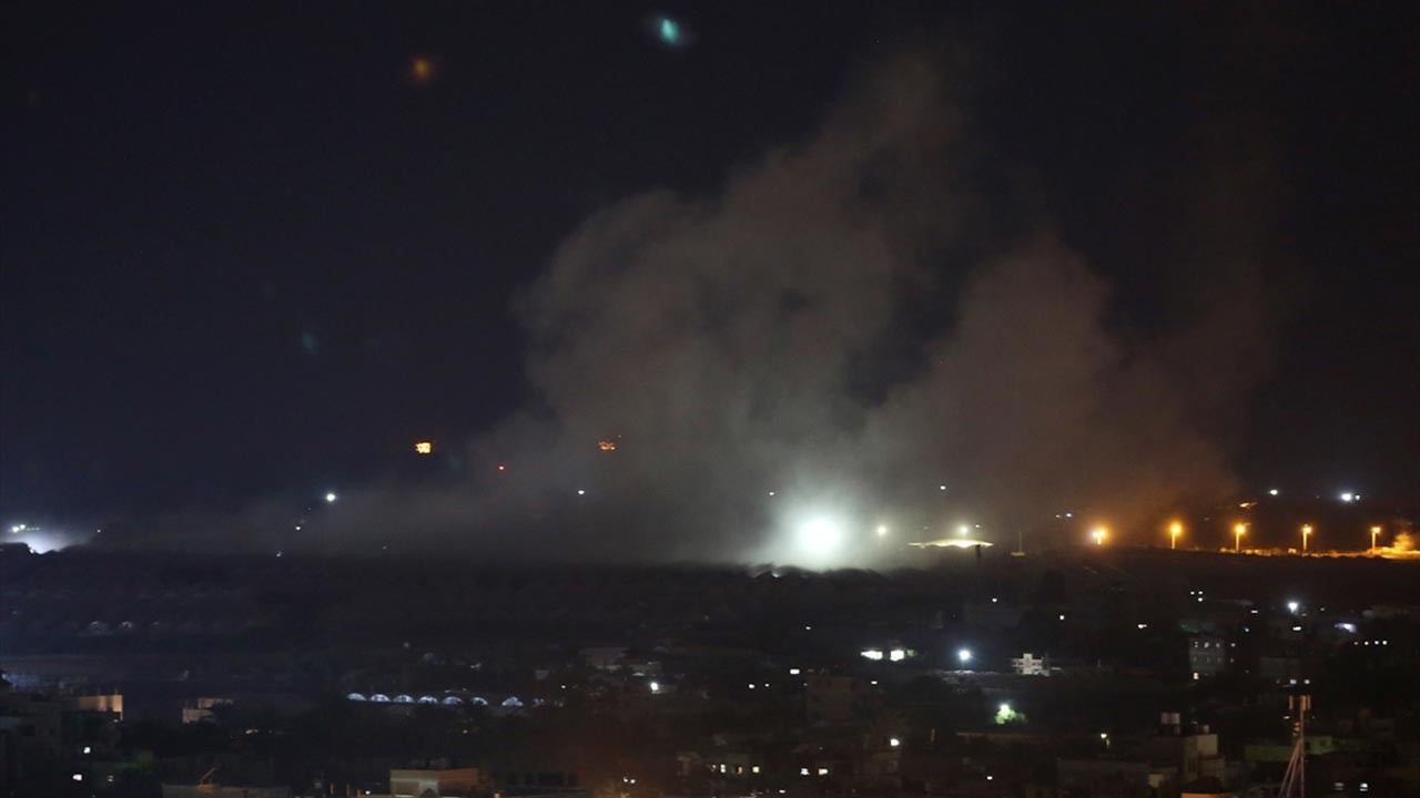Gazze'ye gece yarısı hava saldırısı