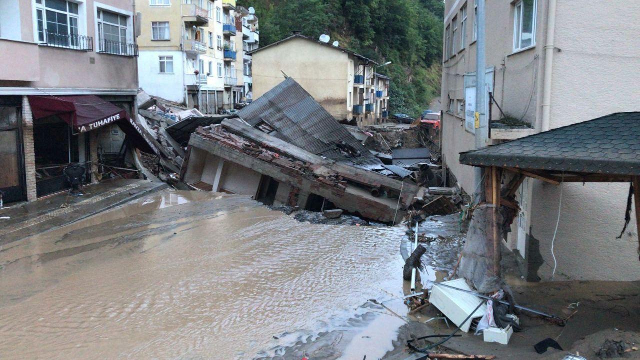 Giresun'dan dehşete düşüren görüntüler, şehir heyelan altında - Sayfa 4