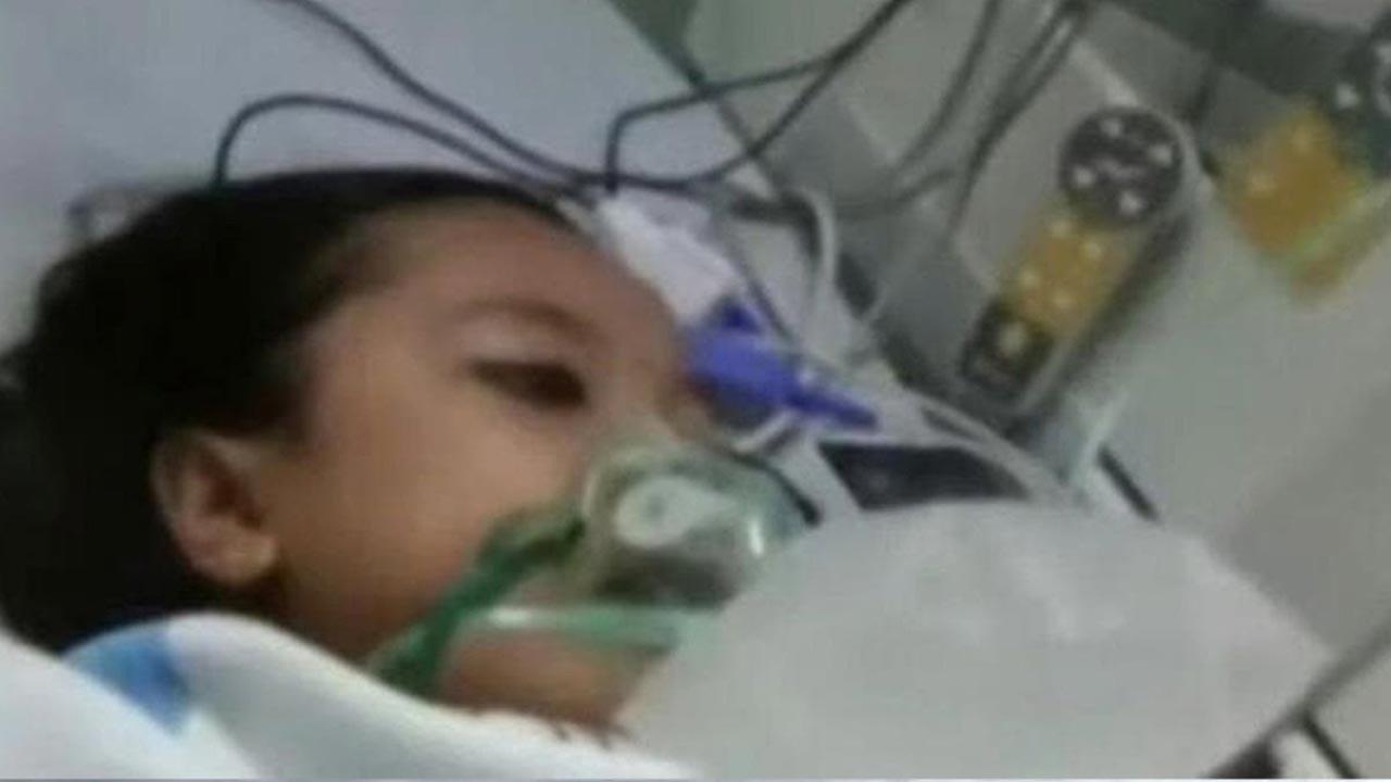 Hastanede ölen çocuk defnedilirken canlandı