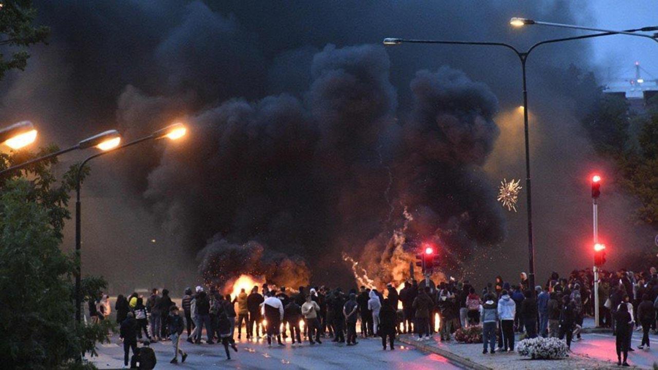 İsveç'teki 'Kur'an yakma' skandalına tepki