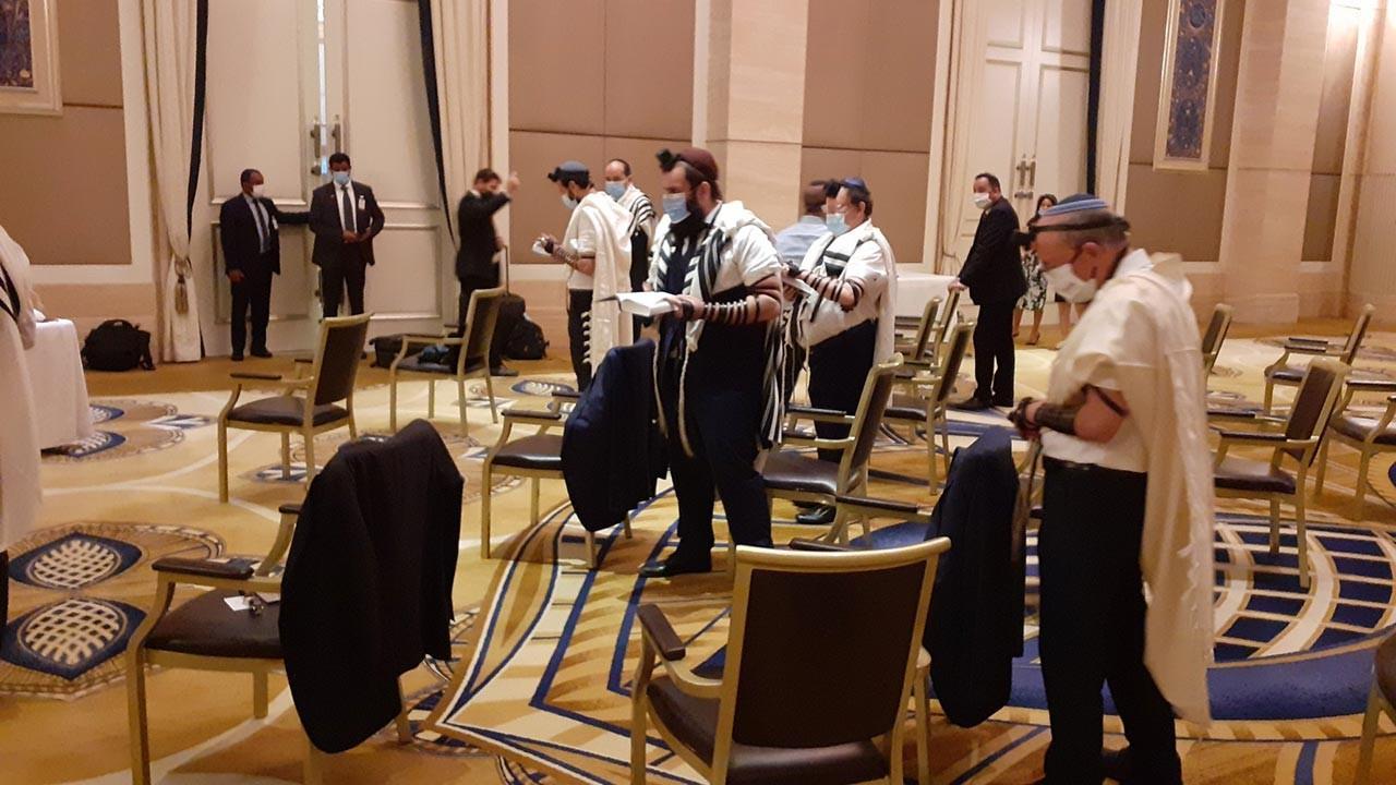 İsrailliler BAE'de ayin töreni düzenledi