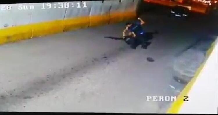Polis ile bekçi yumruk yumruğa kavga etti - Sayfa 3