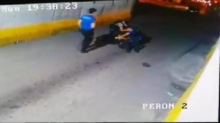 Polis ile bekçi yumruk yumruğa kavga etti - Sayfa 4