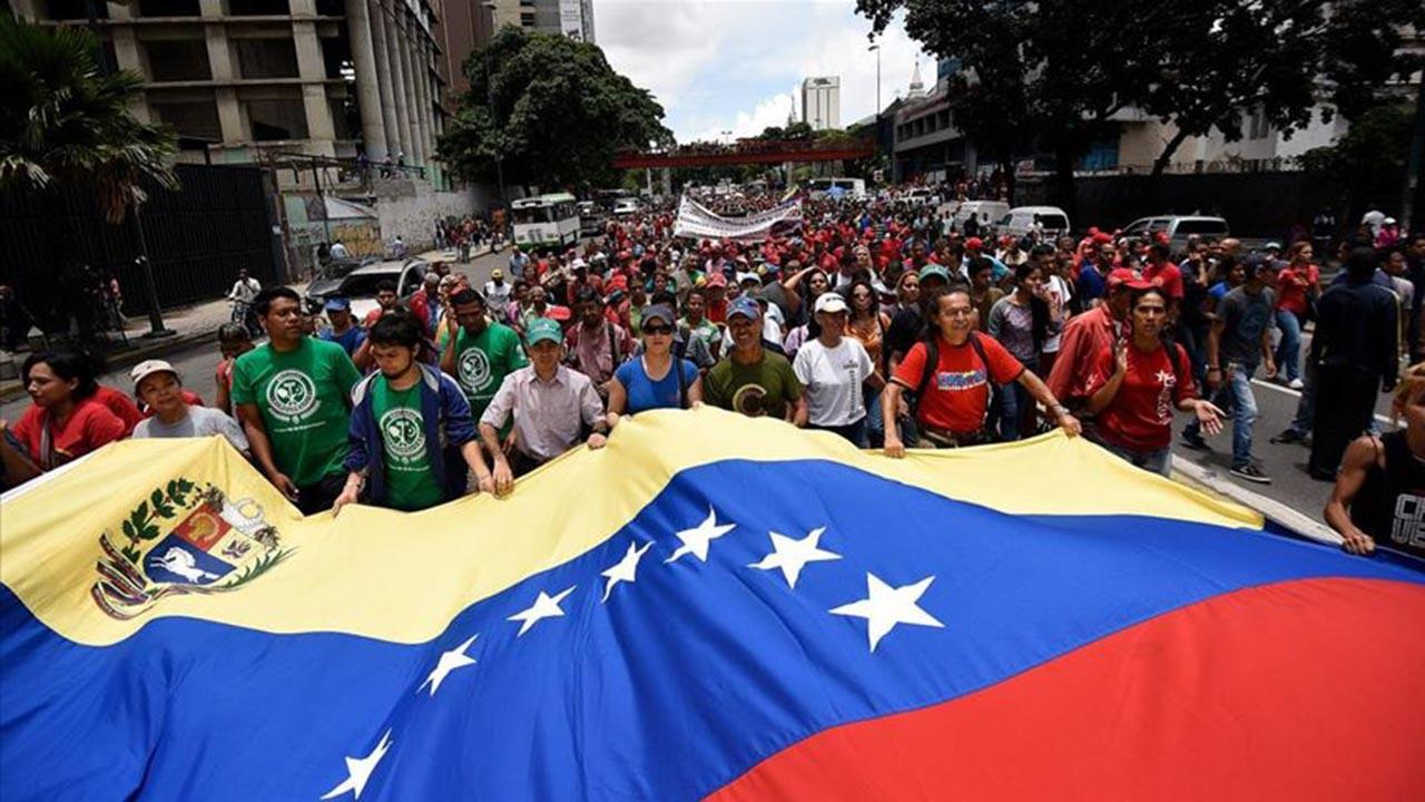 Maduro onlarca muhalifini affetti