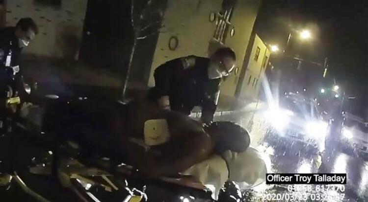 Amerikan polisinin siyahi genci poşetle boğduğu olayın görüntüleri ortaya çıktı - Sayfa 4