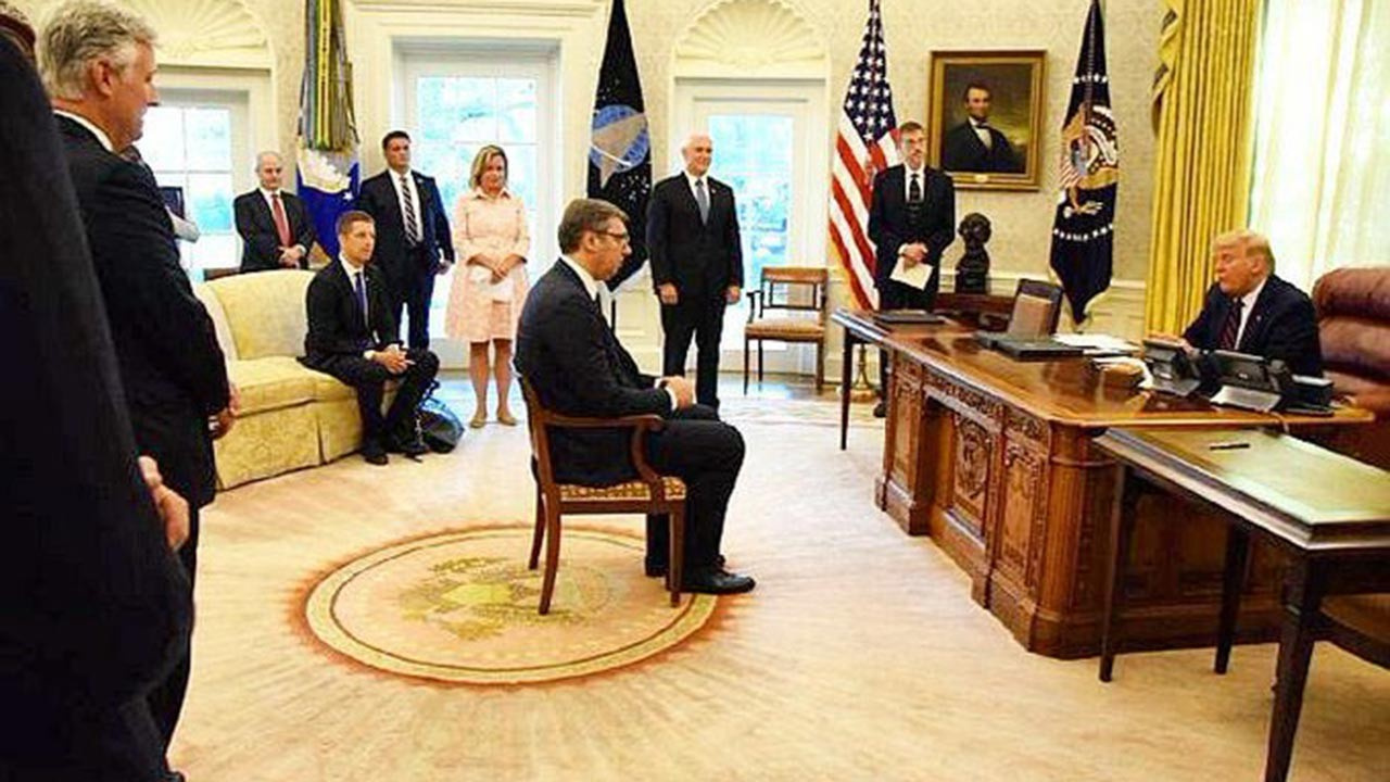 Beyaz Saray'da Vucic'e aşağılayıcı muamele