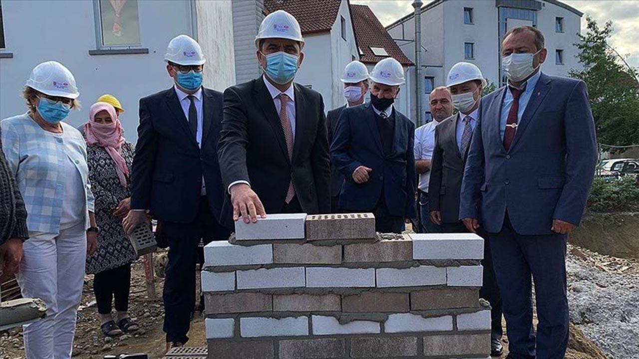 Almanya'da yeni bir caminin temeli atıldı