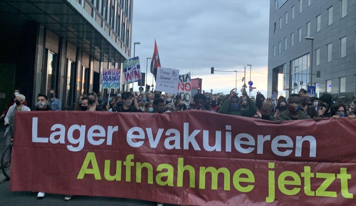 """Almanya'da """"sığınmacıları kurtarın"""" gösterileri - Sayfa 4"""