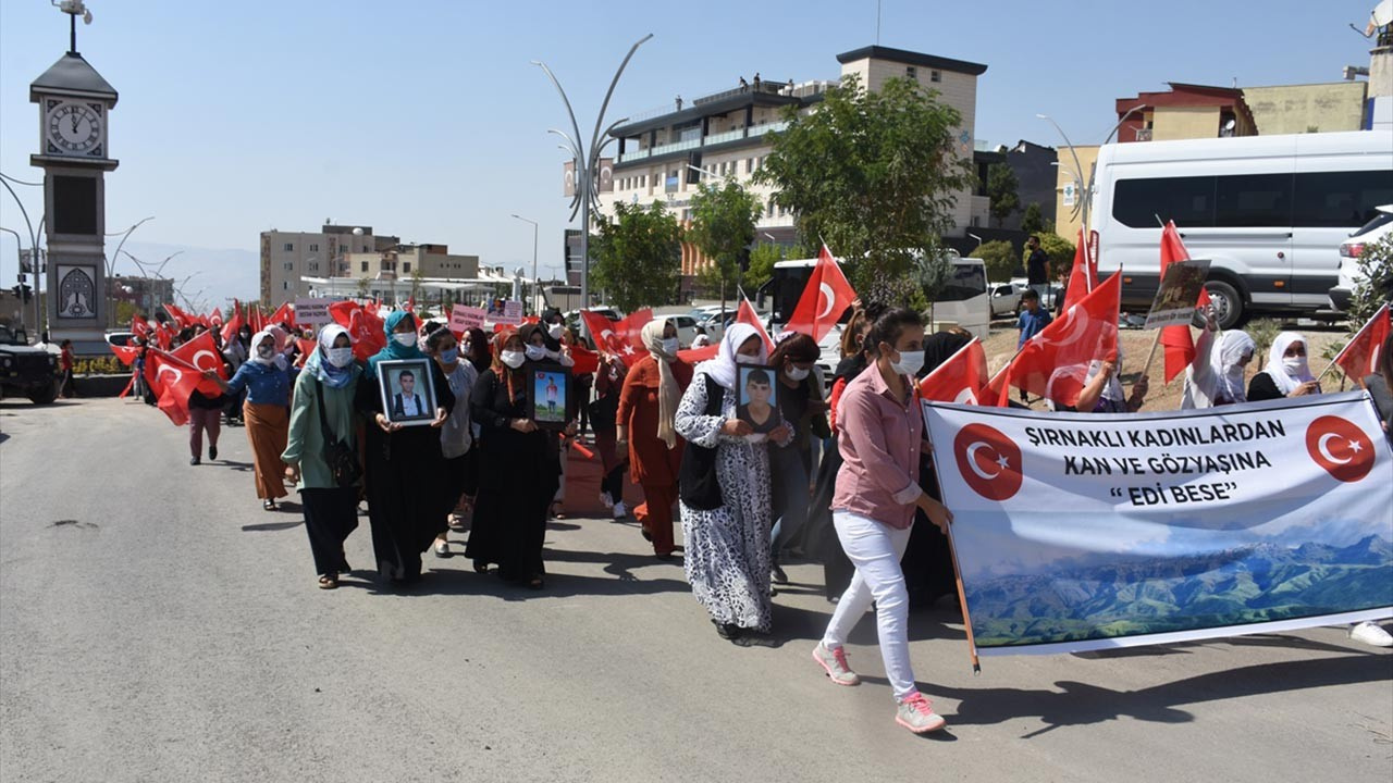 Kadınlar 'Kahrolsun PKK' dedikçe HDP'li vekil çıldırdı