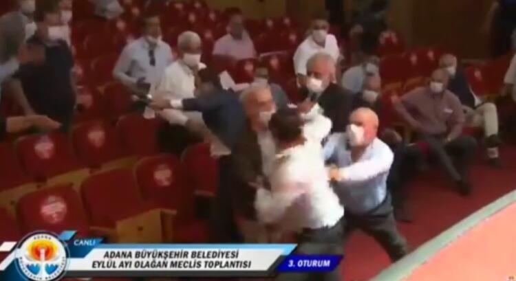 Adana Büyükşehir Belediyesi Meclisi karıştı, MHP'li başkan darp edildi - Sayfa 1