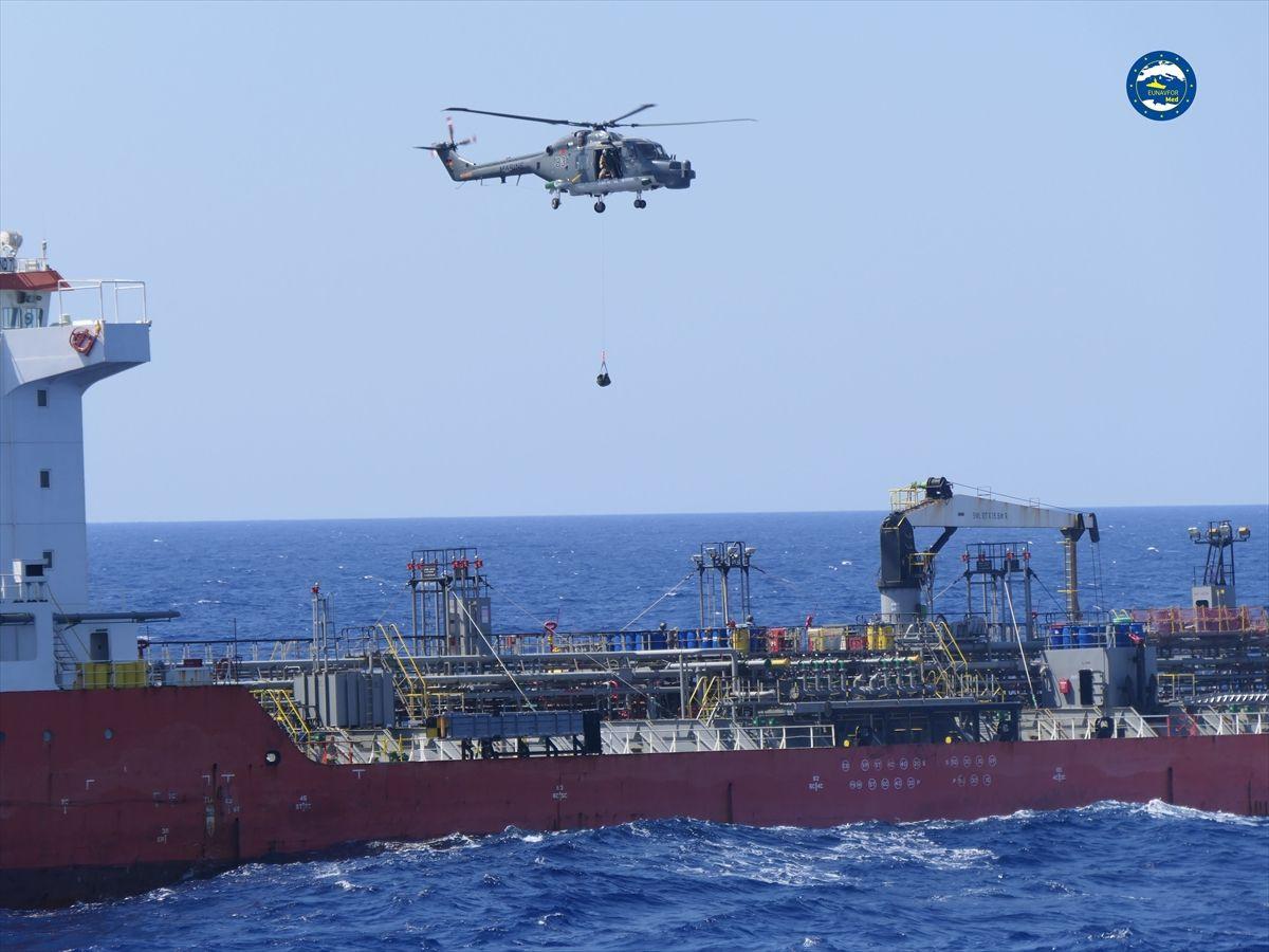 AB güçleri, Hafter'e yakıt taşıyan BAE gemisini durdurdu - Sayfa 3