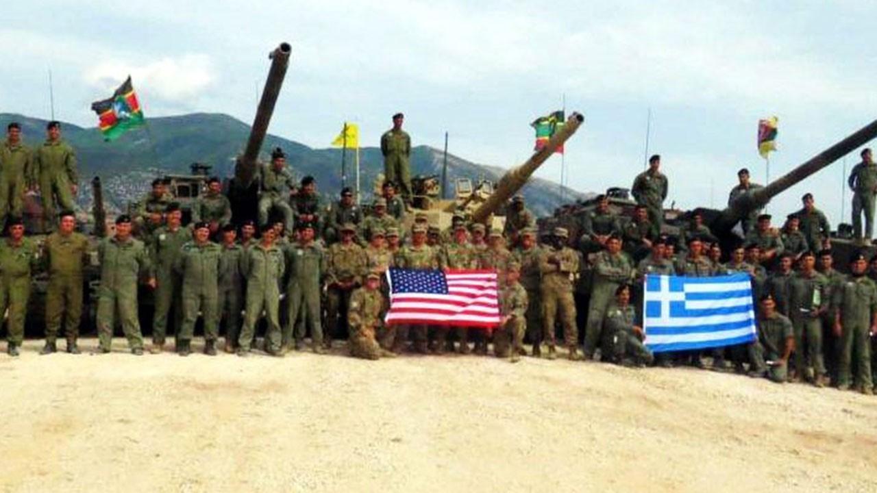 Yunan ve Amerikan askerleri tatbikatta