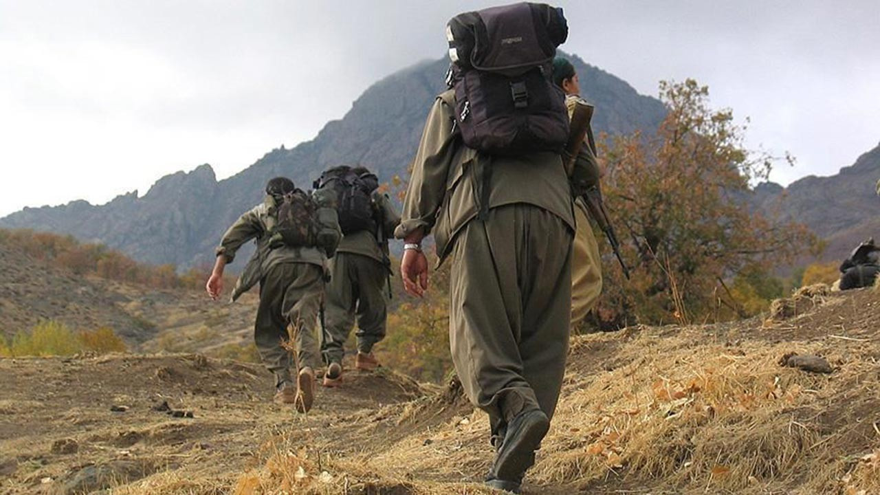 PKK'lı beş terörist teslim oldu