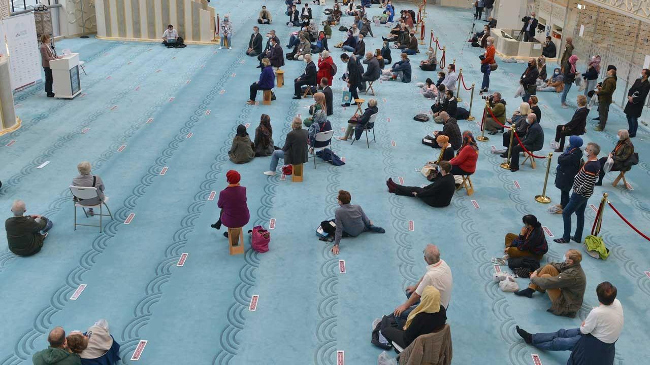 Almanya'da 'Açık cami' günlerine yoğun ilgi