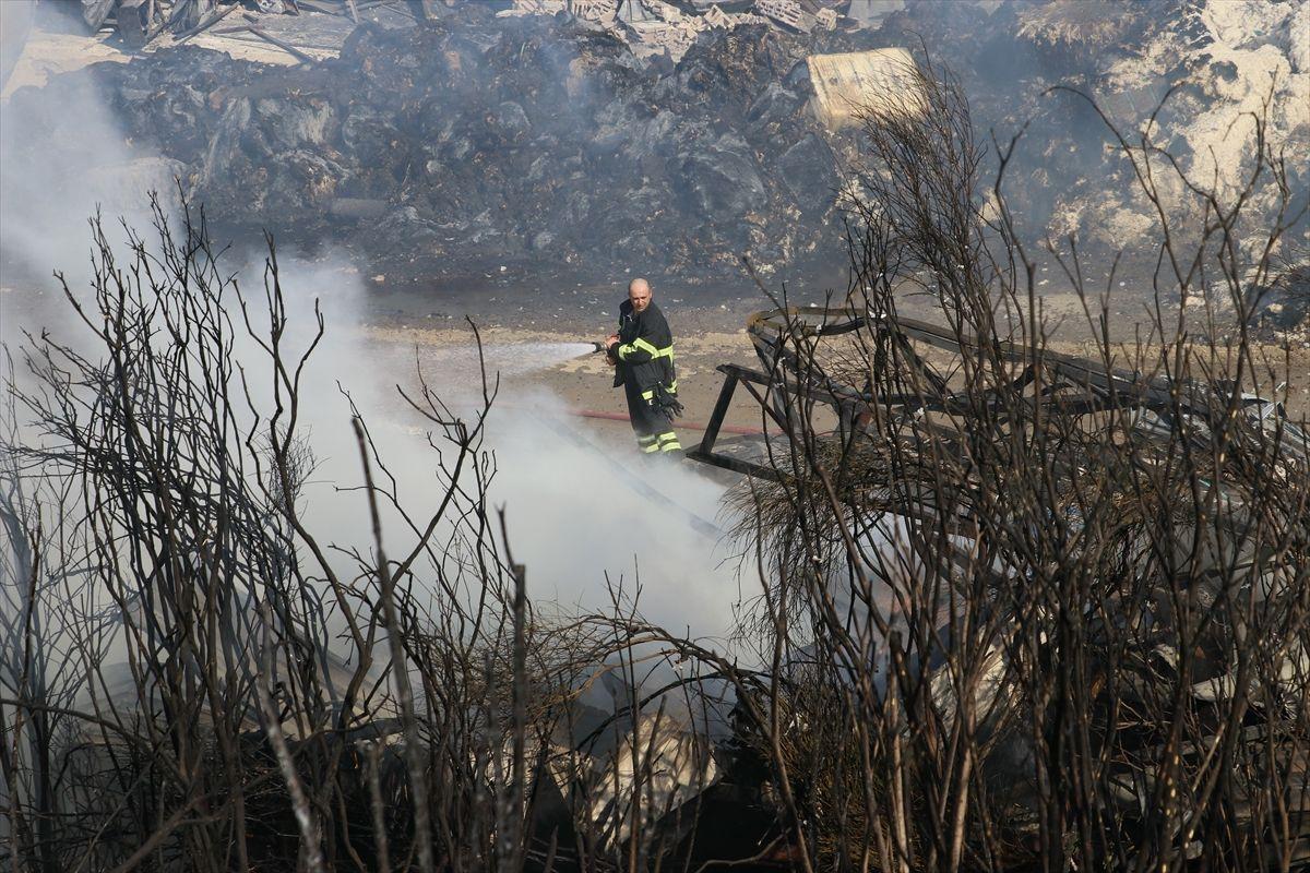 Hatay'daki orman yangınında korkunç manzaralar, alevler binaları bile yutuyor - Sayfa 4