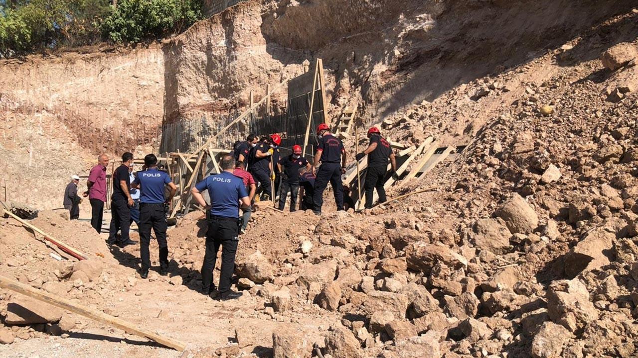 Toprak kayması sonucu 2 işçi öldü