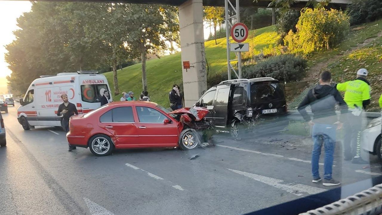 İstanbul'da trafiği kilitleyen iki kaza