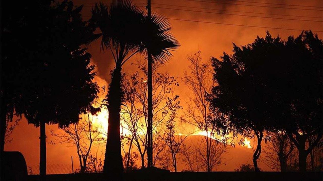 Hatay'daki yangın hala söndürülemedi