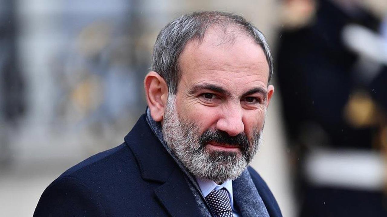 Ermenistan son dakika darbe haberi: Ordu muhtıra verdi, Paşinyan direnme çağrısı yaptı