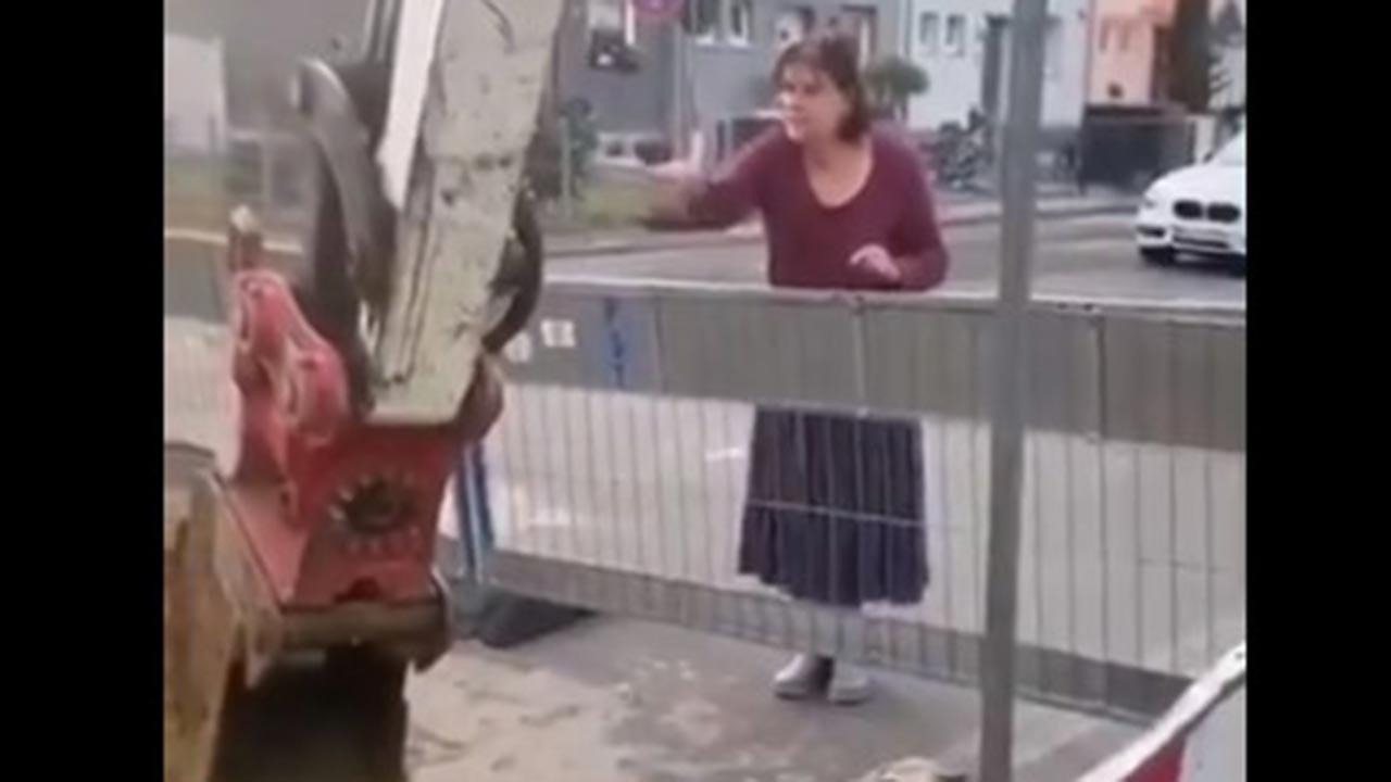 Alman kadından Türk işçilere sözlü taciz