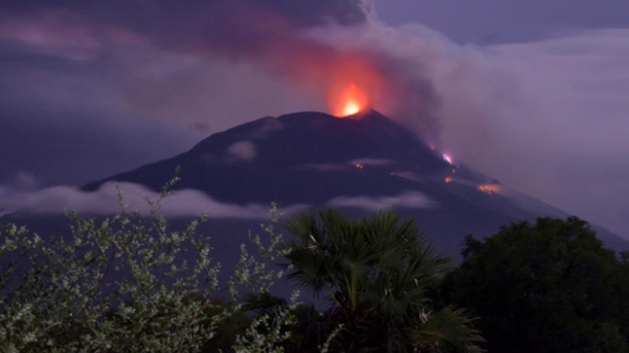 Ili Lewotolok Yanardağı'nda 2 patlama daha
