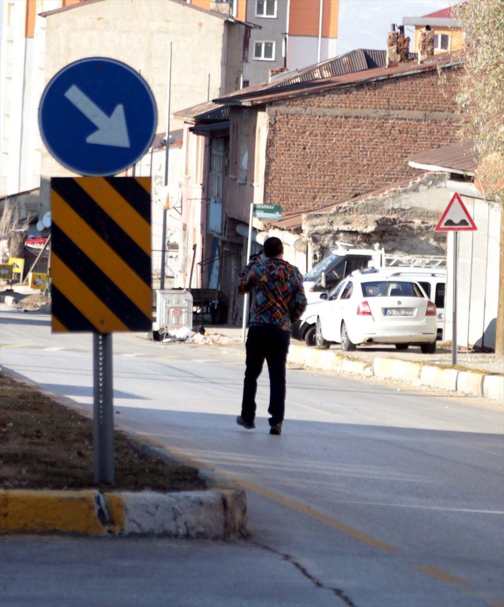 Erzurum'da eşi ve iki kızını öldüren adam zor anlar yaşattı. - Sayfa 3