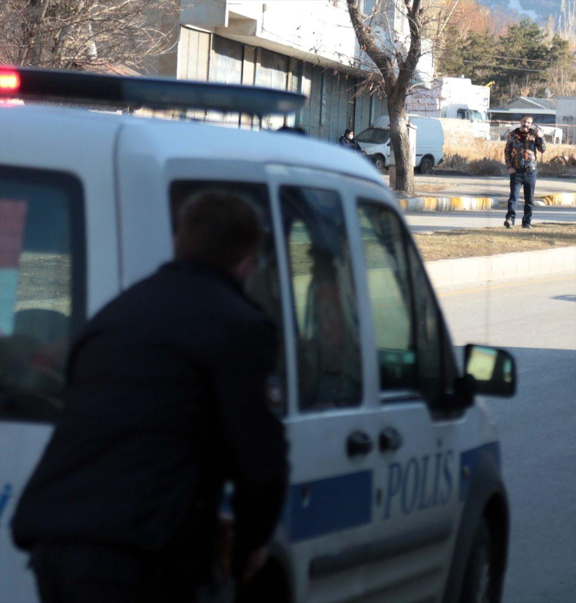 Erzurum'da eşi ve iki kızını öldüren adam zor anlar yaşattı. - Sayfa 4