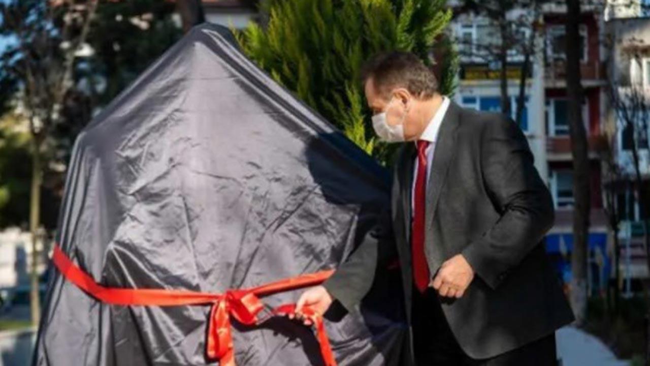 CHP'li Bilecik Belediyesi heykel açılış töreni düzenledi