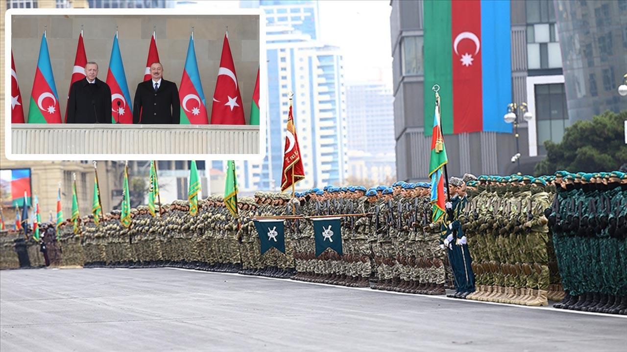Azerbaycan mutluluğunu Türkiye ile paylaştı