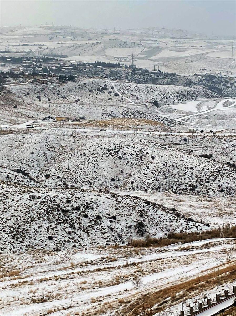 Ankara güne karla uyandı - Sayfa 1