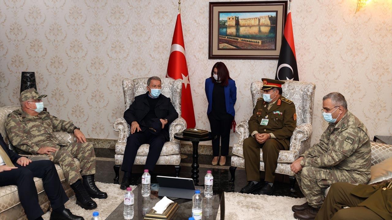 Hulusi Akar ve kuvvet komutanları Libya'da