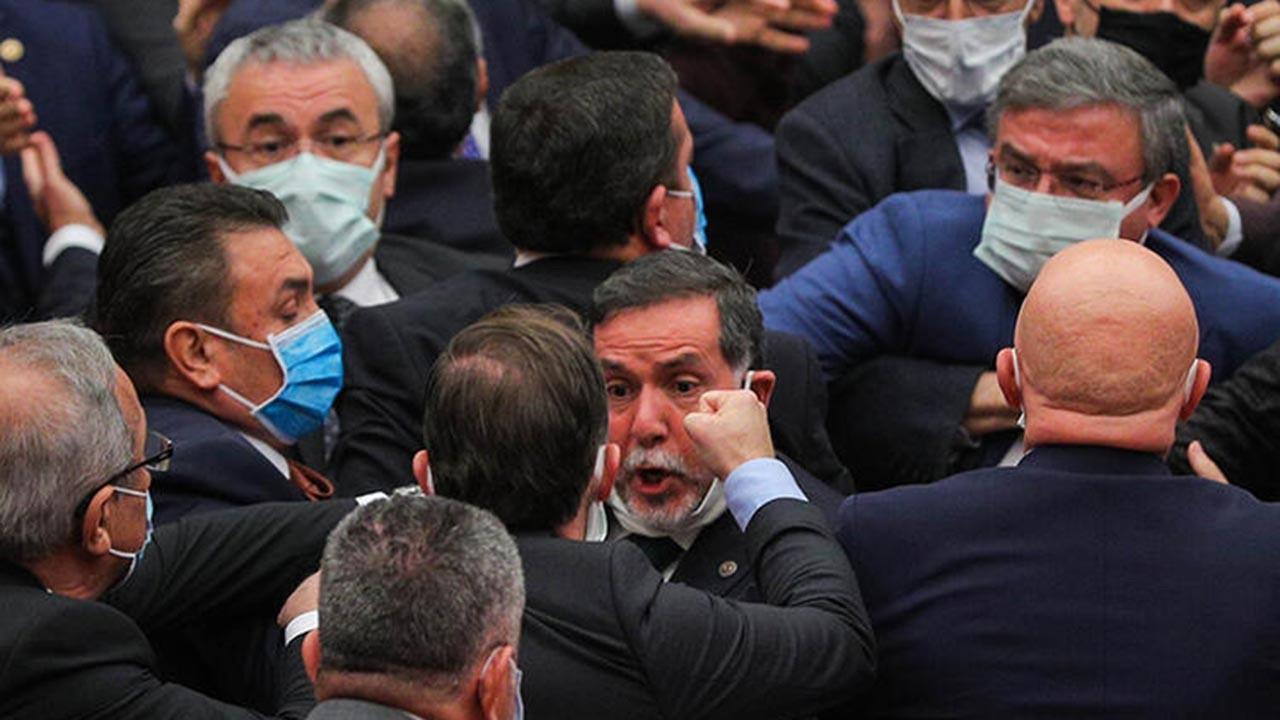 CHP'lilerin Erdoğan'a hakaretleri kavga çıkardı